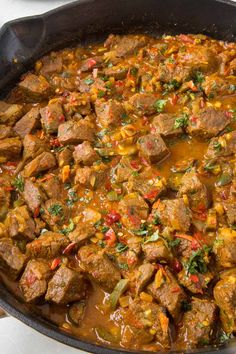 This beef vindaloo recipe is always a popular curry dish. My version is wonderfully spicy, though you can easily adjust the heat and spice to your preference. Hot Sauce Recipes, Spicy Recipes, Curry Recipes, Chili Recipes, Indian Food Recipes, Cooking Recipes, Healthy Recipes, Skillet Recipes, Mexican Recipes