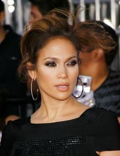 Google Image Result for http://1.bp.blogspot.com/_8eiYPH9LhJc/TQUX2rXdBwI/AAAAAAAABFg/FUHvtCreOc4/s640/jlo%2Bawesome%2Bmakeup.jpg