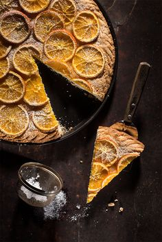 Vegan Cake with Orange. A delicious vegan shortcrust pastry with fresh orange. (in Italian) Köstliche Desserts, Sweets Recipes, Delicious Desserts, Sweet Pie, Sweet Tarts, Orange Pie Recipes, Shortcrust Pastry, Recipes From Heaven, Vegan Cake