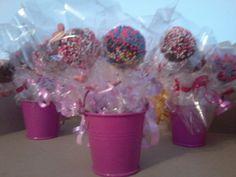 baldes con Cake pops para sorpresas de cumpleaños #regalossorpresa