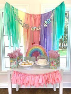Unicorn Birthday Decorations, Rainbow Party Decorations, Unicorn Themed Birthday Party, Rainbow Birthday Party, Unicorn Party Decor, 5th Birthday, Girls Birthday Party Themes, Kids Bday Party Ideas, Birthday Streamers