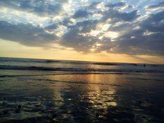 Atardecer en playa Jacó