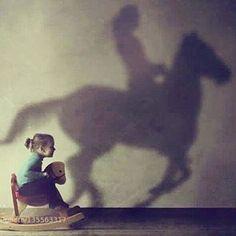 Dia tras dia pido q estas dos vivan siempre en mi! La niña que sueña y la guerrera q cabalga contra el viento.