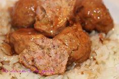 Une recette facile et délicieuse pour passer un reste de jambon. BOULETTES AU JAMBON SAUCE AUX CANNEBERGES Boulettes -1 lb de porc haché...
