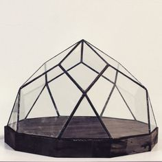 Gloommoon: Amazing geometric crystal box by Geometrium. (the poetry of material things)