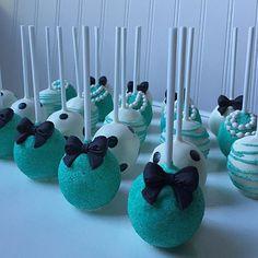 Breakfast at #Tiffanys #cakepops!