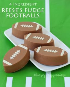 Prepare to party for the Big Game by serving Ritz Cracker Crunch Footballs, Coca-Cola Ganache filled Truffle Footballs! Your guests will. Superbowl Desserts, Healthy Superbowl Snacks, Quick Snacks, Ritz Crackers, Toffee, Coca Cola, Football Cupcakes, Football Food, Football Baby