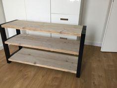 Onze schoenenkast met steigerhout!