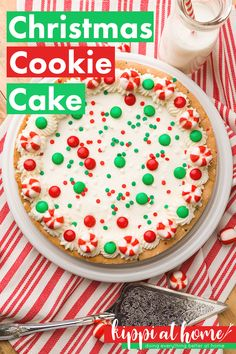 This easy sugar cookie cake is perfect for a birthday cake, cookie exchanges, Christmas cookies, Only 3 ingredients, delicious and quick cookie cake recipe Chewy Sugar Cookie Recipe, Sugar Cookie Cakes, Easy Sugar Cookies, Easy Cookie Recipes, Cake Cookies, Cupcake Cakes, Cake Recipes, Dessert Recipes, Sugar Cake
