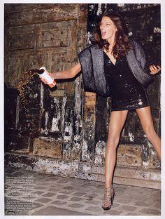 lelaid: Daria Werbowy in Noctambule for Vogue Paris, May 2007 Shot by Terry Richardson Styled by Emmanuelle Alt Daria Werbowy, Trendy Fashion, Fashion Models, High Fashion, Vogue Fashion, Ladies Fashion, Style Fashion, Vogue Paris, Editorial Photography