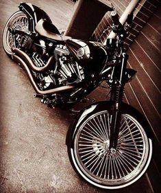 harley davidson breakout ape hangers - Before After DIY Harley Davidson Breakout Custom, Harley Davidson Pictures, Harley Davidson Trike, Classic Harley Davidson, Bobbers, Hd Motorcycles, Bobber Motorcycle, Motorcycle Garage, Custom Street Bikes