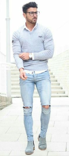 Cool 36 Stylish Ripped Jeans Spring Outfits For Men https://inspinre.com/2018/03/18/36-stylish-ripped-jeans-spring-outfits-for-men/