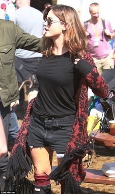 Dr Who actress Jenna Louise Coleman wearing Hunter Wellington boots at Glastonbury 2014.