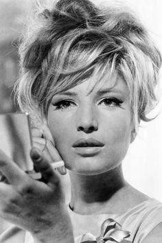 Hollywood Hair and Makeup Secrets - ELLE