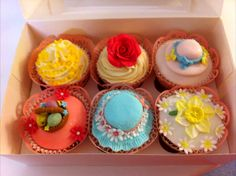 Pretty Easter themed cupcakes from The Cake & Sugarcraft Boutique