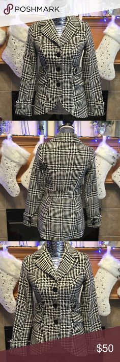 """NEW CANDIE'S SHORT WAIST PEA COAT SIZE XS BLACK AND WHIT SHORT WAIST PEA COAT-57% POLYESTER-37% ACRYLIC-6% OTHER-ARMHOLE DISTANCE IS ABOUT 16""""-LENGTH IS ABOUT 24"""" IN THE FRONT AND ABOUT 26"""" IN THE BACK-SLEEVES ARE ABOUT 23"""" Candie's Jackets & Coats Pea Coats"""