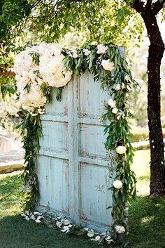 Ideas Of Budget Rustic Wedding Decorations ❤️ See more: http://www.weddingforward.com/budget-rustic-wedding-decorations/ #weddings