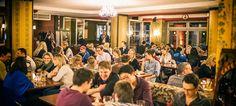 Samstagabend, voll und bunt gemischt wie immer.    Herein spaziert, ein paar Plaetze fuer die Nachtschwaermer haben wir noch.    Mozart - Cafe - Restaurant - Cocktail Bar   www.cafe-mozart.info #Cafe #Mozart #Restaurant #Cocktail #Bar #Muenchen #Fruehstueck #Kuchen #Mittagsmenu #Lunch #Sendlingertor #Placetobe #Kaffee #Push2hit