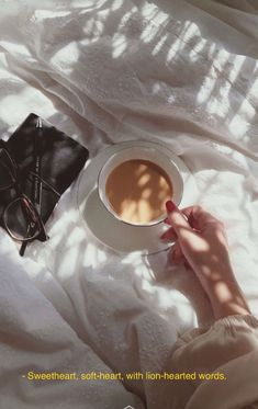 Things That Inspire - All About Good Vibes Aesthetic Words, Aesthetic Photo, Aesthetic Pictures, Pink Aesthetic, Aesthetic Clothes, Tumblr Quotes, Film Quotes, Mood Quotes, Quotes Positive