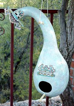 Birdhouse//My Grandma use to have a bunch of these years ago!!