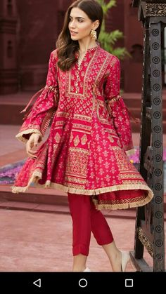 best ideas for bridal lengha pakistani outfit Pakistani Fashion Casual, Pakistani Dresses Casual, Pakistani Dress Design, Indian Dresses, Indian Fashion, Casual Dresses, Sleeves Designs For Dresses, Dress Neck Designs, Stylish Dress Designs