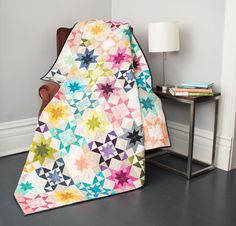 Imagine a starry sky in the colors of a vibrant sunset, and what do you get? The Rising Star Quilt Kit! You'll receive a pattern and gorgeous fabric from V and Co.'s Ombré collection to sew this da. Baby Quilt Patterns, Star Patterns, Fabric Patterns, Sewing Patterns, Quilting Classes, Quilting Projects, Quilting Ideas, Patchwork Quilting, Star Quilts