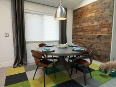 table de salle à manger ronde et suspension industrielle