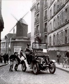 Montmartre, by Paul Almasy, Paris, 1952 Paris Pictures, Paris Photos, Old Pictures, Old Photos, Vintage Photos, Montmartre Paris, Old Paris, Vintage Paris, Paris France