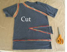 WobiSobi: Side Tied, Triangle Tee: DIY This Shirt is such a cute, easy shirt for summer. It literally will only take you about 15 minutes to create. I told you, I am . Diy Cut Shirts, Simple Shirts, T Shirt Diy, Cutting Shirts, Men Shirts, Ripped Shirts, Diy Kleidung Upcycling, Diy Fashion, Fashion Outfits