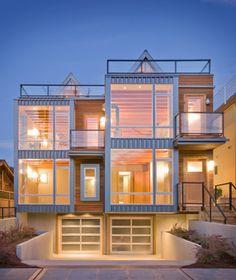Excellent modern architecture.  Duplex in Seattle.