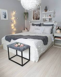 Bedroom Decor For Teen Girls, Room Ideas Bedroom, Small Room Bedroom, Home Decor Bedroom, Bed Room, 50s Bedroom, Bedroom Ideas For Small Rooms Women, Budget Bedroom, Bedroom Photos