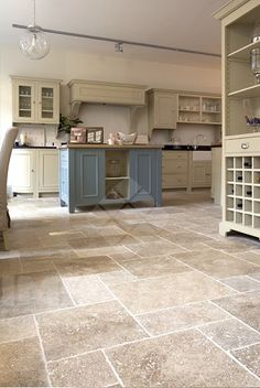 Antonio Travertine in Tumbled Finish from our Ca'Pietra Collection Available in … - Modern Vinyl Flooring Kitchen, Hall Flooring, Kitchen Vinyl, Stone Flooring, Kitchen Tiles Design, Travertine Floors, Stone Kitchen, Interior Design Inspiration, New Homes