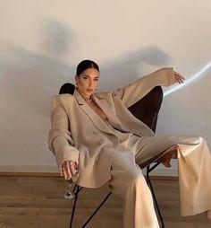 Mode Monochrome, Look Fashion, Autumn Fashion, Fashion Quiz, 2000s Fashion, Fashion Quotes, Woman Fashion, French Fashion, Vintage Fashion