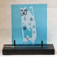 Fused glass cats on base, very cute!