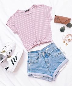 striped t-shirt+denim shorts