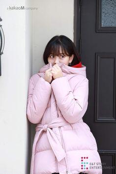 Kim sohyun for soup _official Kim Sohyun, Korean Actors, Korean Girl, Winter Jackets, Actresses, Outfits, Dramas, Amazing, Girls