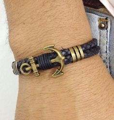 Pulseira Leather Cord with Anchor Clasp