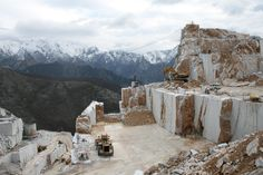 Canalgrande_Italy - materiali estratti: bianco Carrara, c, cd, nuvolato Carrara franchiumbertomarmi: marble design
