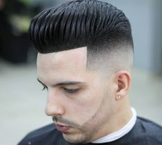Pompadour Hairstyle that Every Man Must Try In 2019 top 13 Cool Modern Pompadour Hairstyles for Men S Pompadour Fade Haircut, Mens Hairstyles Pompadour, Short Pompadour, Modern Pompadour, Cool Hairstyles For Men, Hairstyles Haircuts, Haircuts For Men, Hard Part Haircut, Haircut Designs