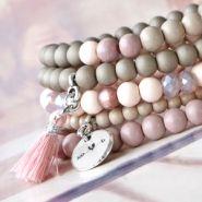 Nieuw Nieuw in onze collectie: Glaskralen in het mat! Seed Bead Bracelets, Seed Beads, Jewelry Bracelets, Beaded Jewelry, Diy Jewelry, Handmade Jewelry, Make Your Own Bracelet, Handmade Bracelets, Pearl Necklace