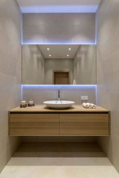 Luxury Bathroom Master Baths Walk In Shower is agreed important for your home. Whether you choose the Luxury Master Bathroom Ideas or Luxury Bathroom Master Baths Benjamin Moore, you will make the best Small Bathroom Decorating Ideas for your own life. Modern Contemporary Bathrooms, Modern Bathroom Design, Bathroom Interior Design, Modern House Design, Contemporary Vanity, Bath Design, Contemporary Cottage, Modern Vanity, Contemporary Apartment