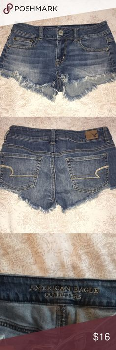 🔥HOUR SALE🔥American eagle shorts Size 00  Have a bit of a stretch to them Worn a few times in good condition  No stains or rips American Eagle Outfitters Shorts Jean Shorts