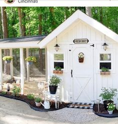 Don't you love finding beautiful inspiration for your home and gar Chicken Coop Designs, Cute Chicken Coops, Diy Chicken Coop Plans, Backyard Chicken Coops, Backyard Farming, Chickens Backyard, Fancy Chicken Coop, Chicken Coop Decor, Chicken Garden