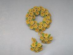 Vintage Jewelry/Brooch/Pin/Vintage Earrings/Vintage Jewelry Set/Yellow Enamel Flowers/Rhinestones