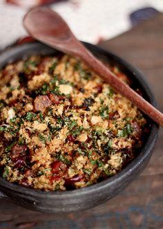 É tempo de pinhão. E se você não é chegado na semente cozida da araucária, vai ai um jeito de dar um up e curtir a temporada. Cozinhe ou compre já cozido uns 200g de pinhão. P…