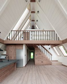 Tiny House Cabin, Tiny House Living, Tiny House Design, Cabin Homes, Cabin Design, Shed To House, Cabin With Loft, Pull Barn House, Tiny House With Loft