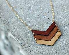 3 CHEVRON NECKLACE in OMBRE