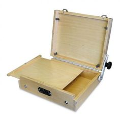 Guerrilla Painter Cigar Box and its accessories are perfect for day trips. This economical pochade box takes its name from the 19th century practice of making simple pochade boxes from cigar boxes. Made of basswood laminate, this pochade model is designed for lightweight efficiency. #PleinAirPainting #ArtSupplies