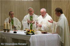 Para dialogar con Dios tenemos que hacernos pequeños-Papa Francisco