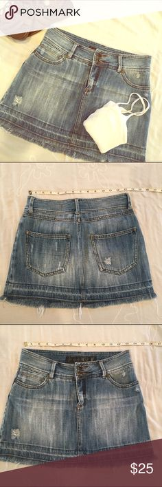 """Jean skirt 🇺🇸Effortless style💋 Versatile jean skirt. Wear it with boots and flannel this fall🍁. Wear with flip flops and bikini top on your beach vaca 🏖   Thick denim. Just a touch of distressing gives this skirt a casual cool, like """"yes, I look this good without trying"""" 😉.                                          (Brand IS nitrogen. NOT Miss Me. Not Lucky NOT Gap NOT VS NOT Rock Republic) duplicate listing, only one Nitrogen skirt for sale. Nitrogen Skirts"""